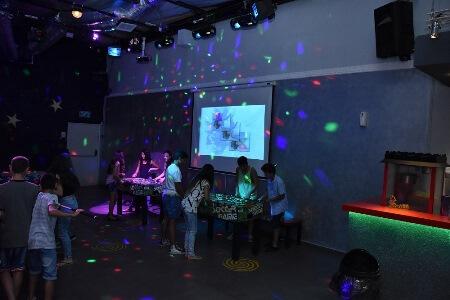 מועדון סטאר קלאב Star Club – פתח תקווה