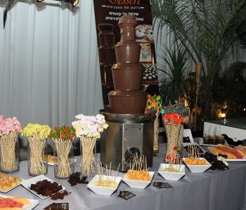 Dessert – שירותי בר מתוקים, קינוחים ומפלי שוקולד לאירועים