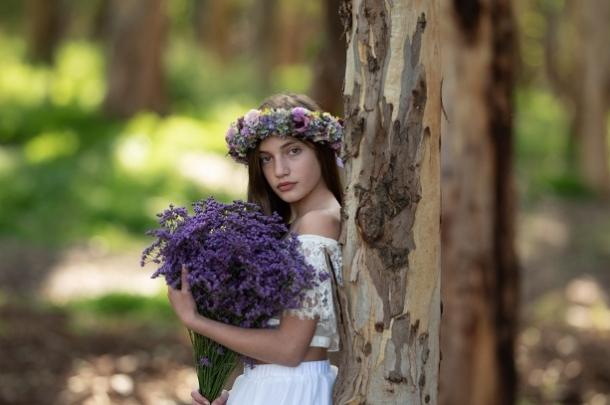 אלה גונן עיצוב שמלות בת מצווה – כפר יונה / באר יעקב